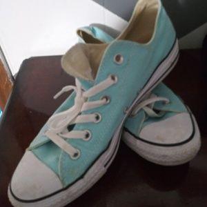 Lighte blue converse low tops